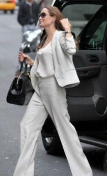 Angelina-Jolie-style-street-casual_00001